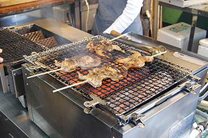 外国人観光客が選ぶ 日本の観光地NO.1「伏見稲荷」から地元を食べ尽くす。
