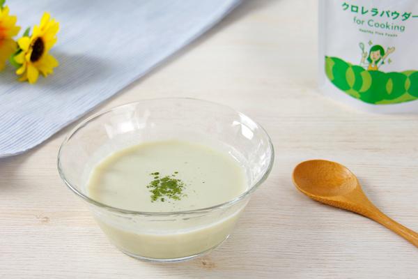 クロレラパウダーで冷製スープに挑戦♪