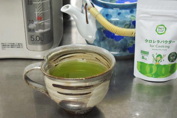 クロレラパウダーで茶葉再利用!