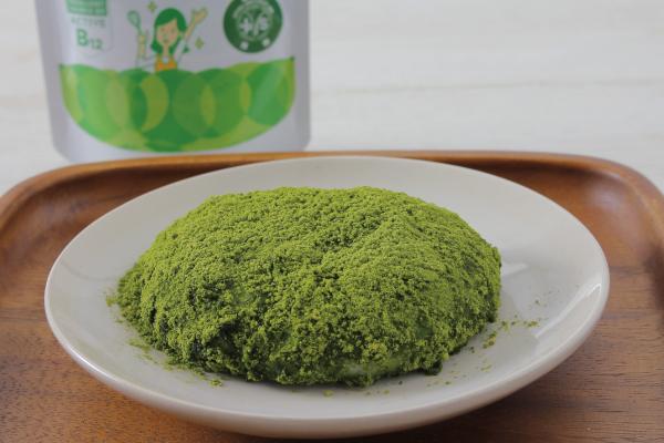 緑色のきなこ餅