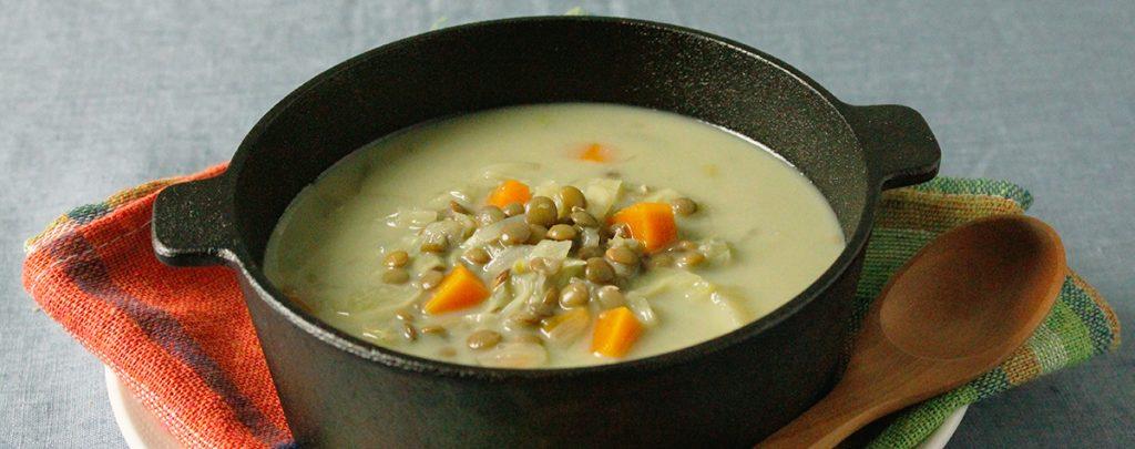 プロテインリッチなヴィーガンレシピ レンズ豆と豆乳のスープ